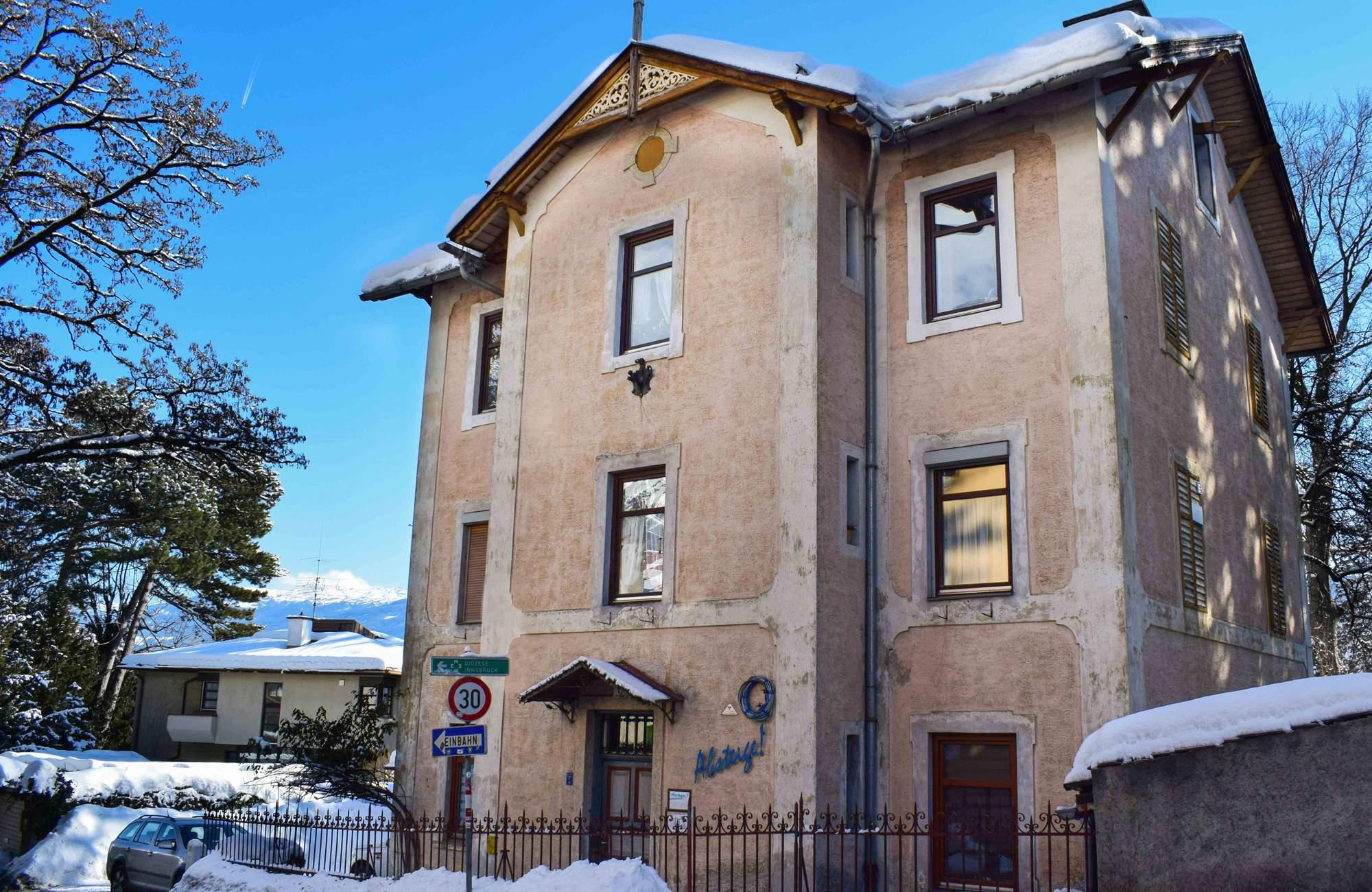 Villa_Absteige_Innsbruck_Room_Apartments_Holiday_Budget_Lon_Stay_Austria_Tirol_02_WEB2013
