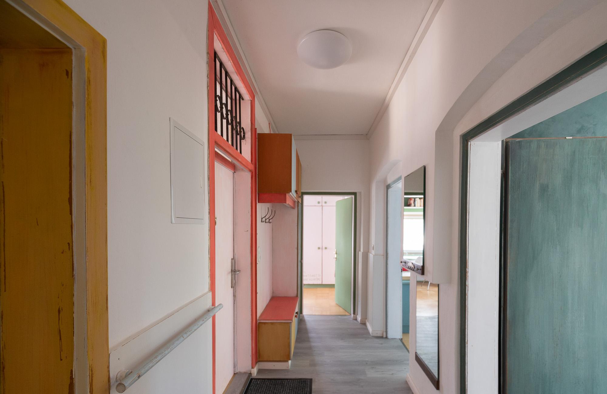 Farbtopf_Absteige_Budget_Holiday_Apartment_Room_Innsbruck_Center_Tirol_Austria_-16