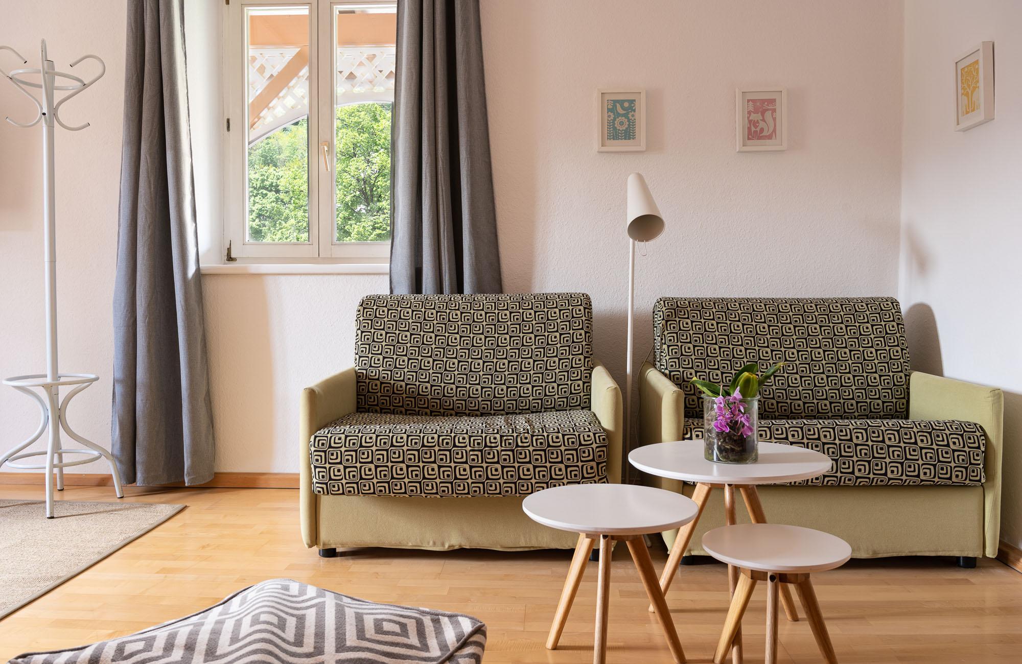 Absteige Innsbruck, Fettnäpfchen, Schlafzimmer